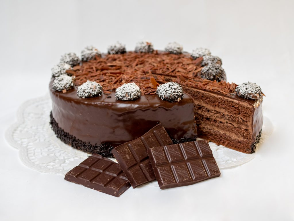aufgeschnittene Trüffel Torte