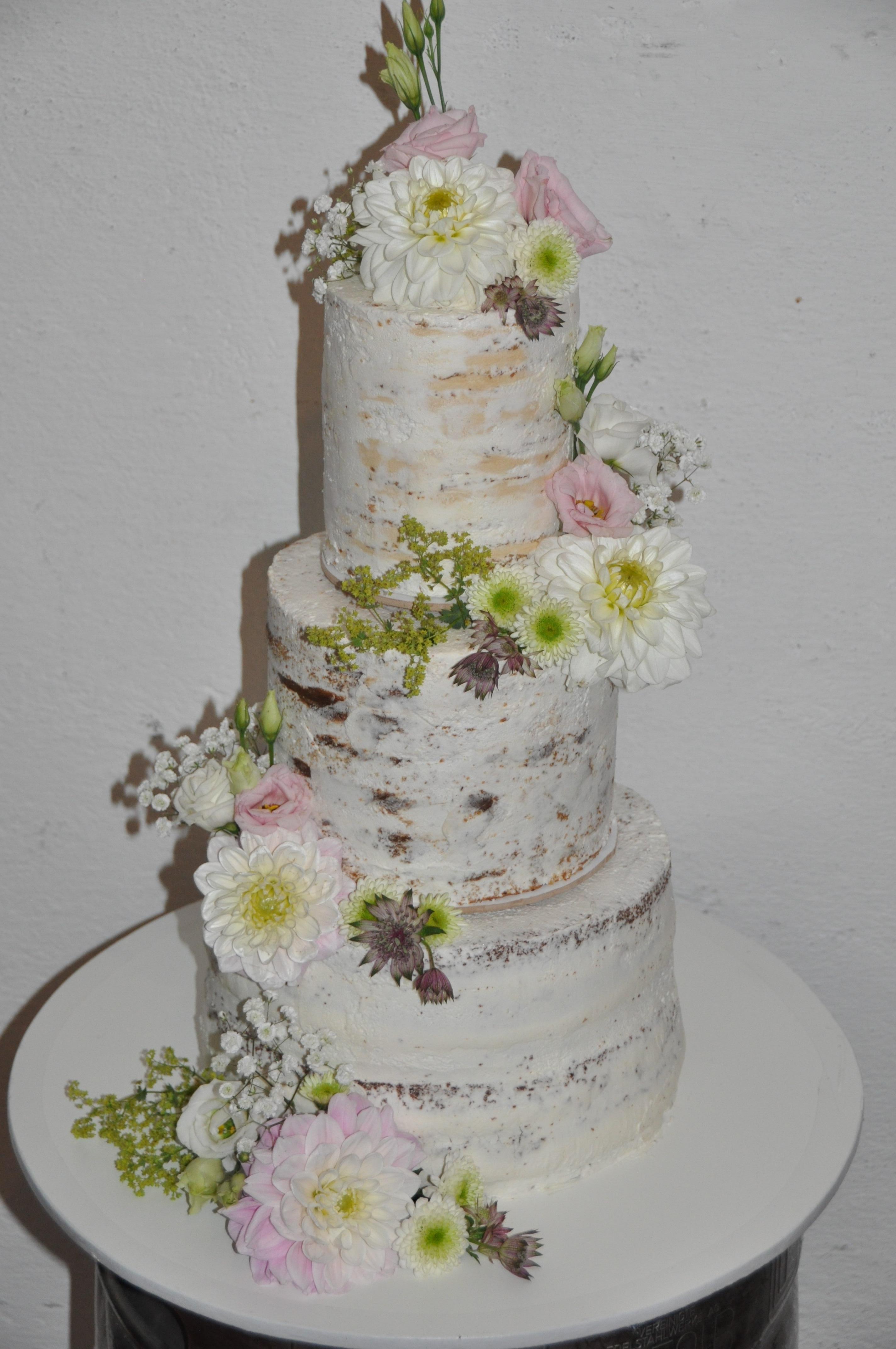 """""""Naked-Cake"""" Hochzeitstorte mit echten Blumen"""