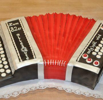 Ziehharmonika Geburtstagstorte
